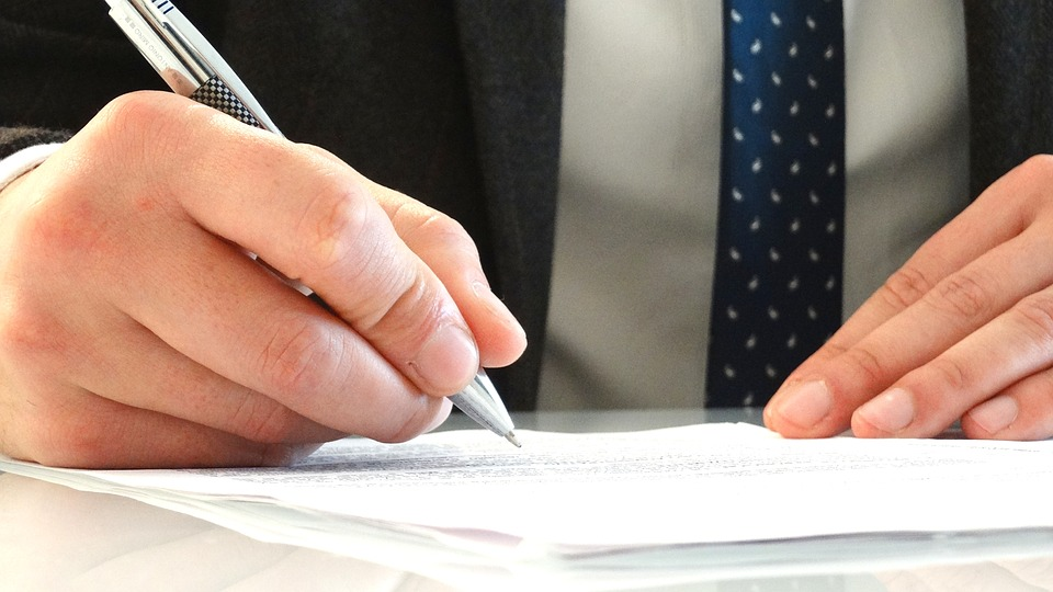 The Importance Of Reading A Fine Print Before Signing Legal - Signing legal documents